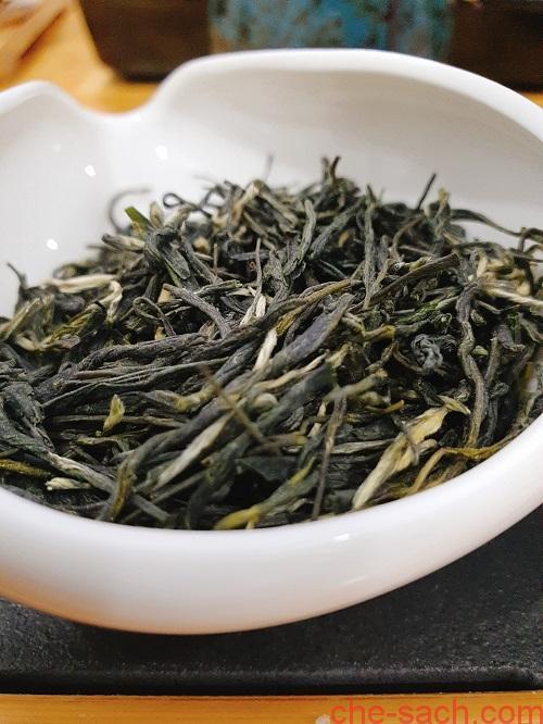 luc-tra-lu-son-van-vu-lusan-yunwu-1